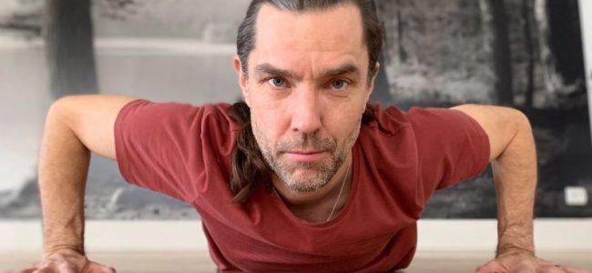 Martin Karlbom -Yoga